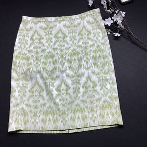 Ann Taylor Cream/Pale Green Pencil Skirt Size 4